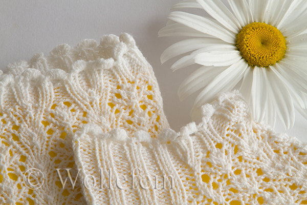Short Summer Socks in Lace Daisy